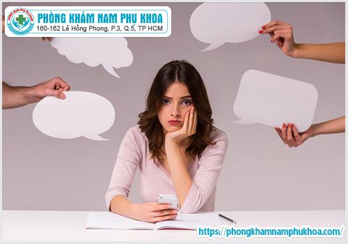 stress và căng thẳng trong công việc khiến trễ kinh